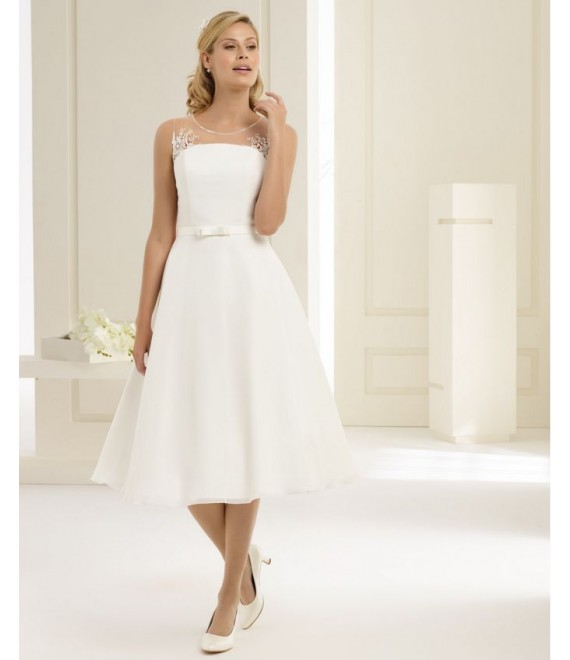 Wedding dress Tapazia (front)- The Beautiful Bride Shop