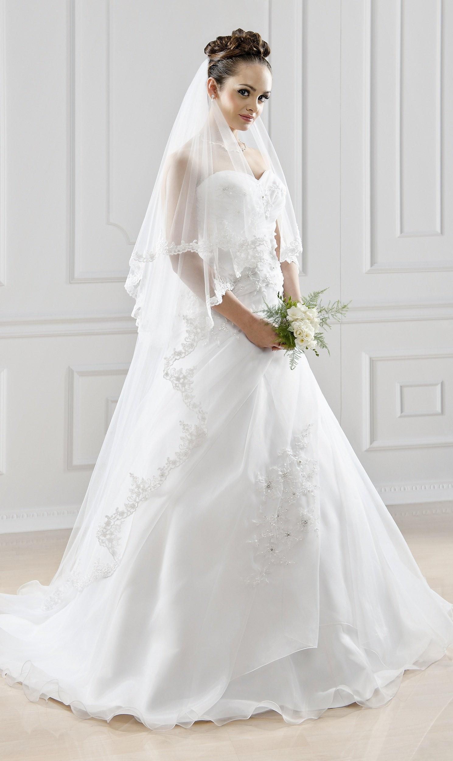 bianco evento veil s123 diamond buy online beautiful bride shop. Black Bedroom Furniture Sets. Home Design Ideas