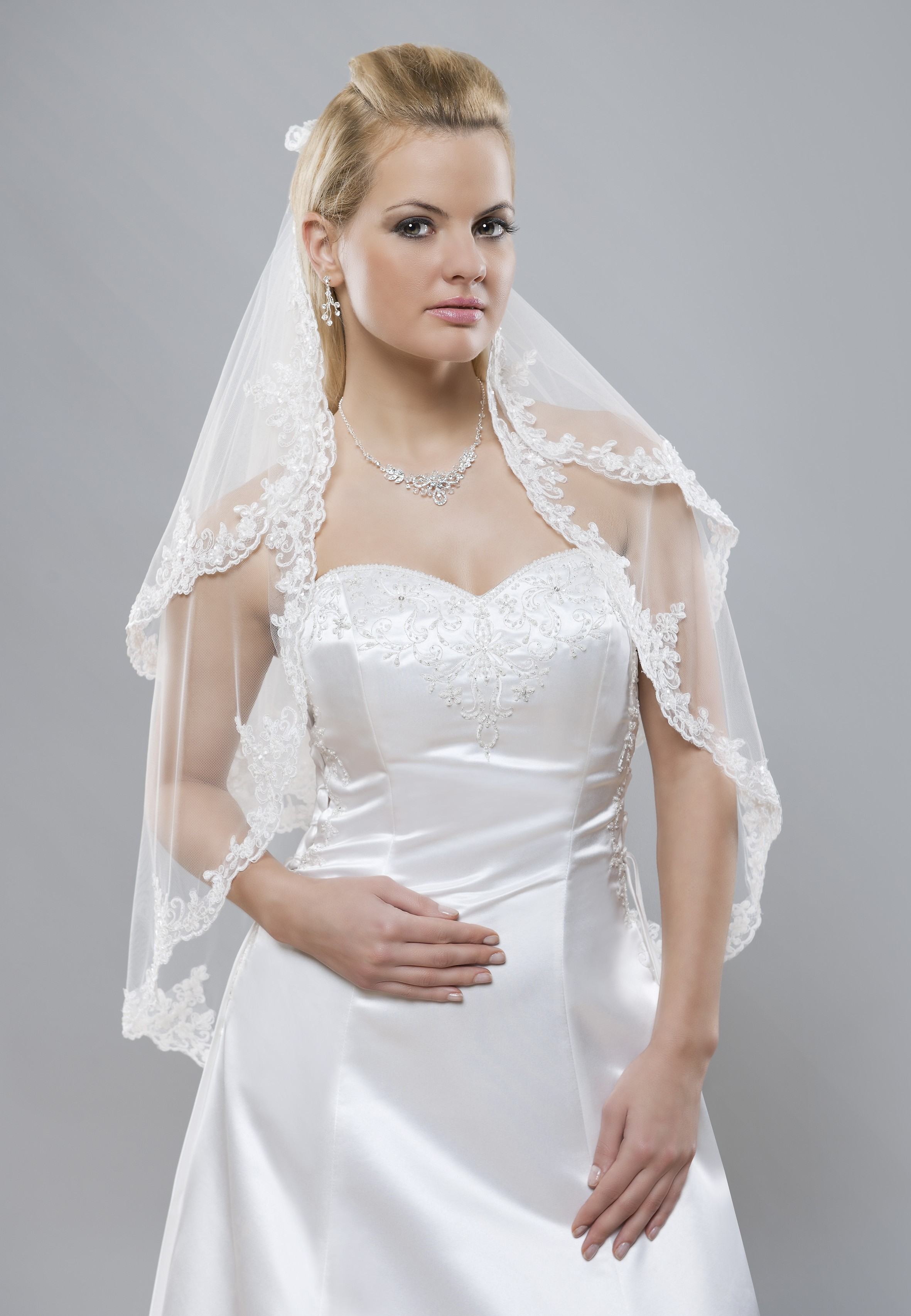 Veil With Lace Edge With Glass Beads Bbc S125 Buy Online