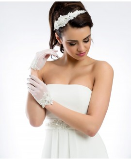 Elegant gloves in stretch tulle and lace B21