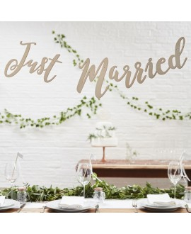 Wooden Just Married Script Bunting - Beautiful Botanics