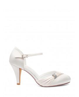 798f34601a5 Bridal shoes ivory