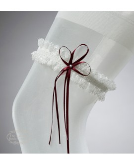 Garter in Ivory with red bow and pearl
